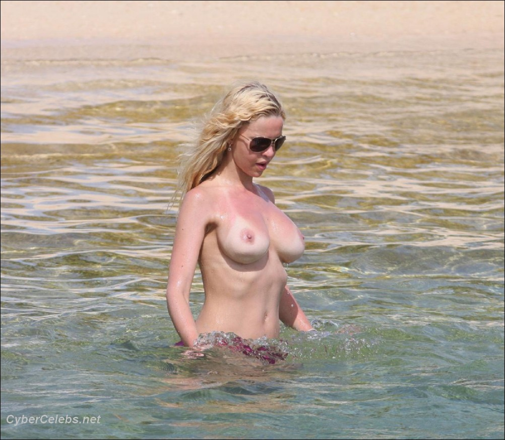 alicia douvall free nude celebrity photos celebrity movies sex tapes