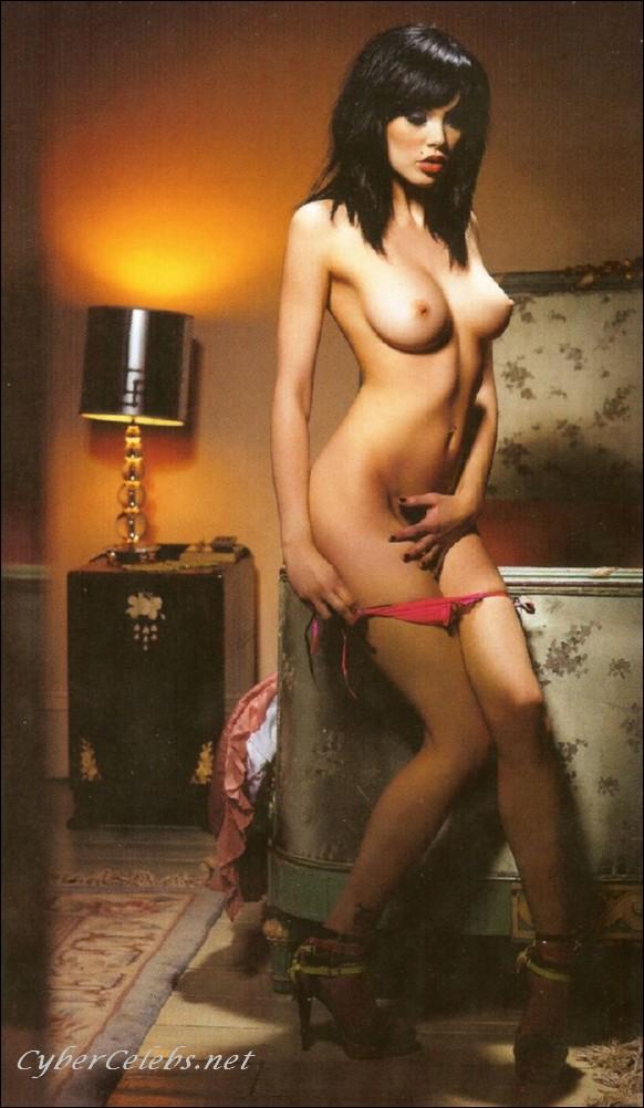 Celebrities Vikki Blows Please Fake Pregnant Or Interacial Babesmachine 1